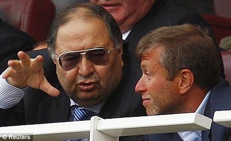 Tài sản của hai ông chủ Arsenal và Chelsea sụt giảm nghiêm trọng