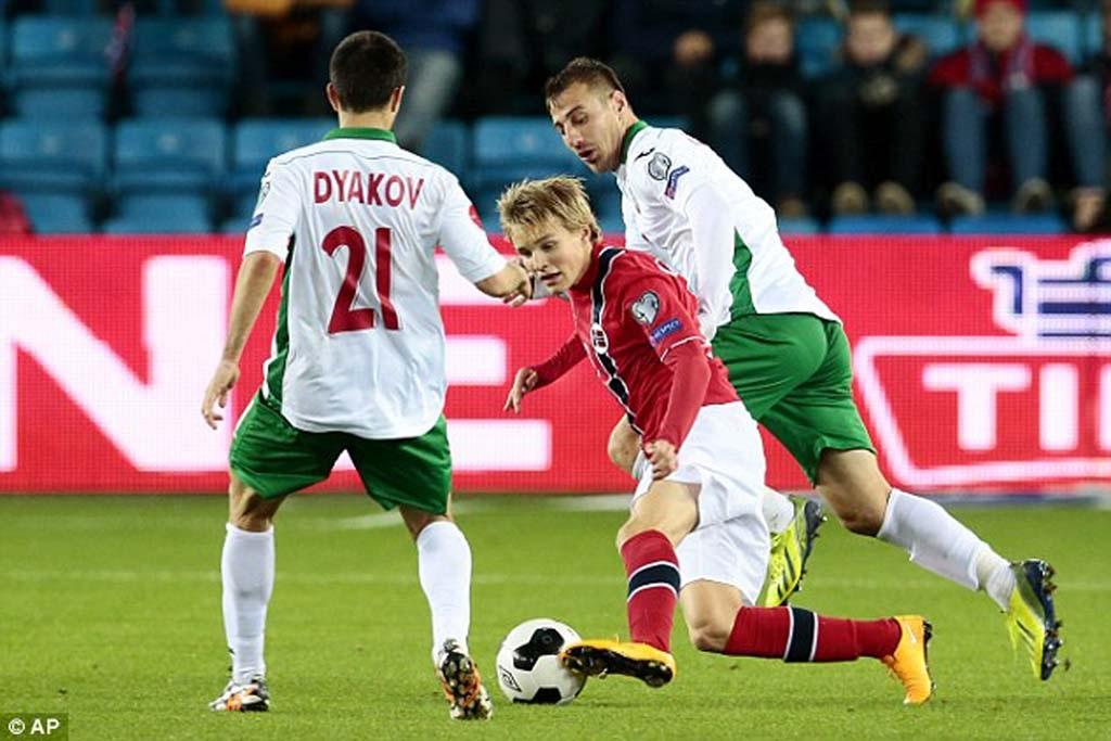 Martin Odegaard trẻ nhất ra sân cho ĐTQG Na Uy