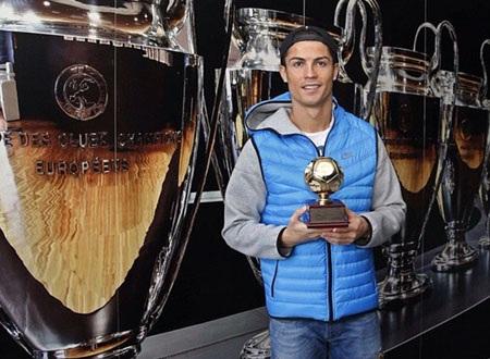 C.Ronaldo nhận danh hiệu Vua phá lưới 2013