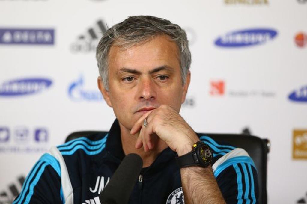 HLV Mourinho coi trọng chức vô địch League Cup