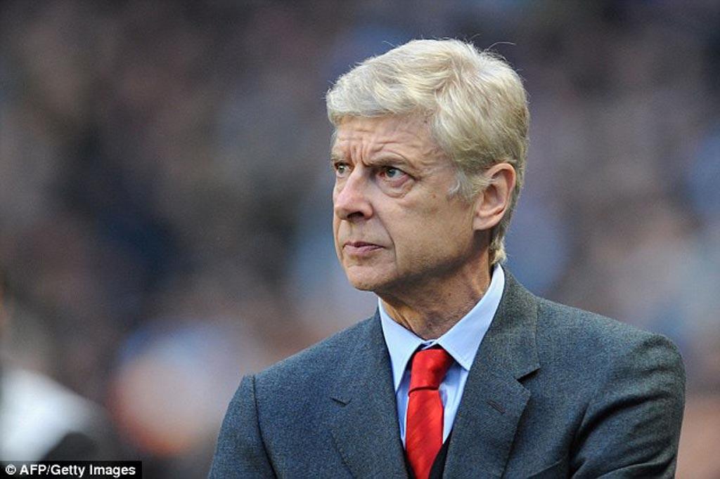 HLV Wenger thành công với sự tiếp cận khôn ngoan trước Man City