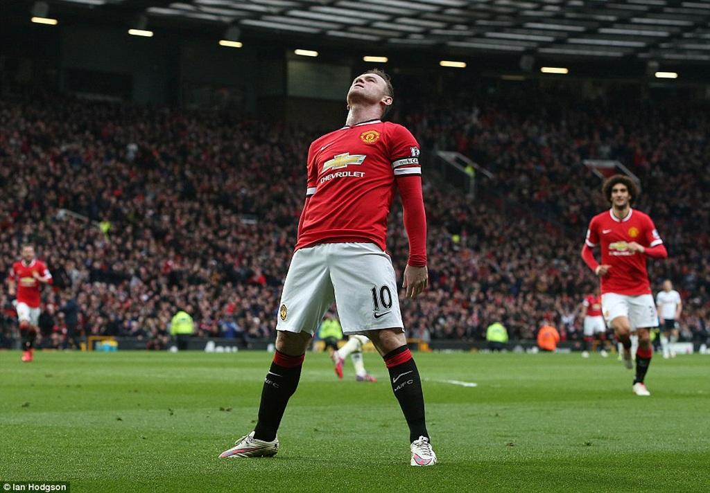 Rooney ăn mừng bàn thắng theo phong cách boxing