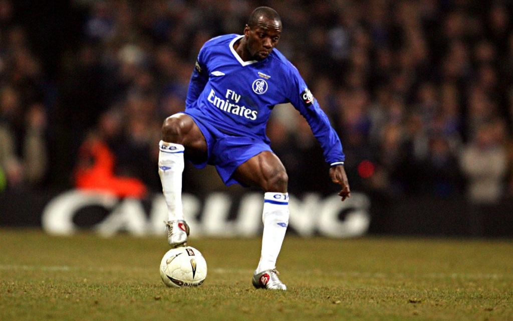 """Mourinho """"nhào nặn"""" Makelele trở thành tiền vệ phòng ngự hàng đầu thế giới"""