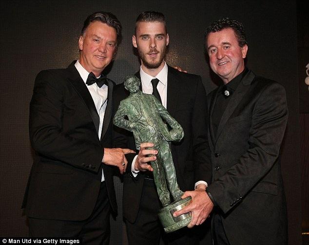 De Gea nhận giải Cầu thủ xuất sắc nhất MU