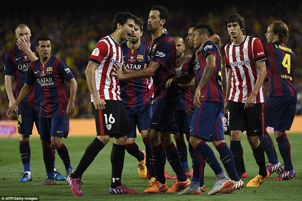 Các cầu thủ Bilbao quyết ăn thua đủ với Neymar