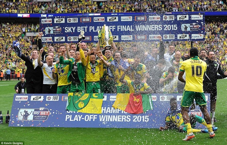 Norwich ăn mừng vé thăng hạng Premier League