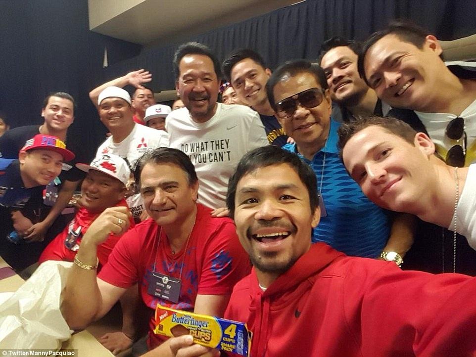 Bạn bè và những người ủng hộ cho võ sỹ người Philippines