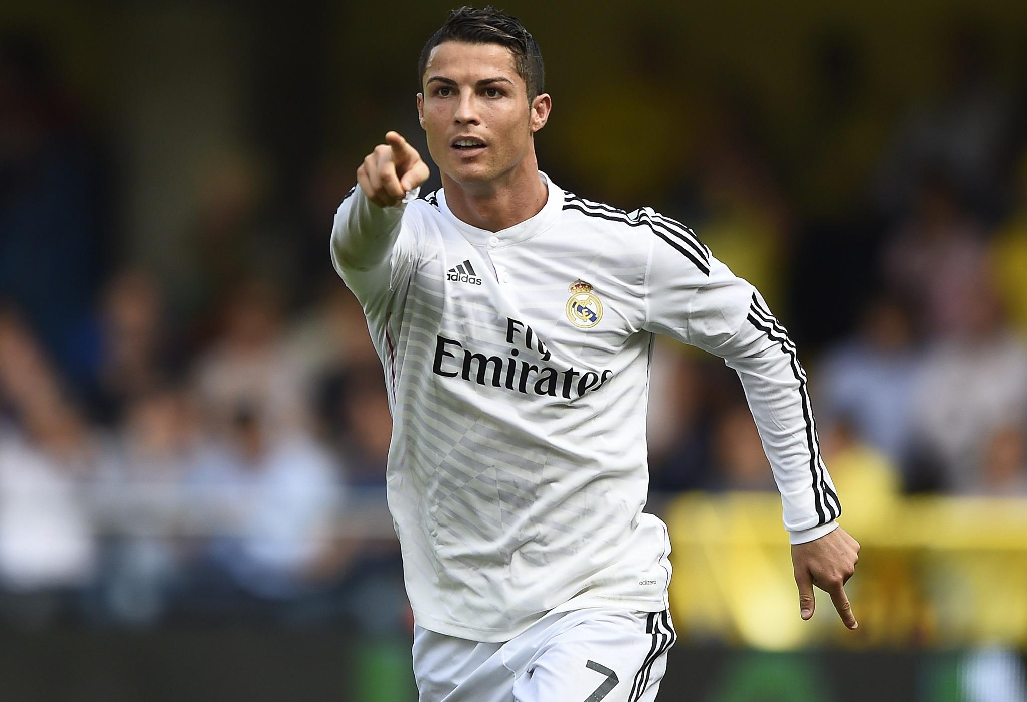 C.Ronaldo không vui trước viễn cảnh Benitez tới Real