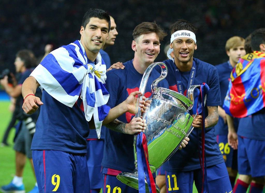 Bộ ba M-N-S ăn mừng chức vô địch