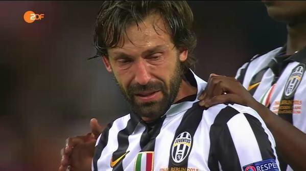 Pirlo rơi lệ ở Berlin sau thất bại ở chung kết Champions League