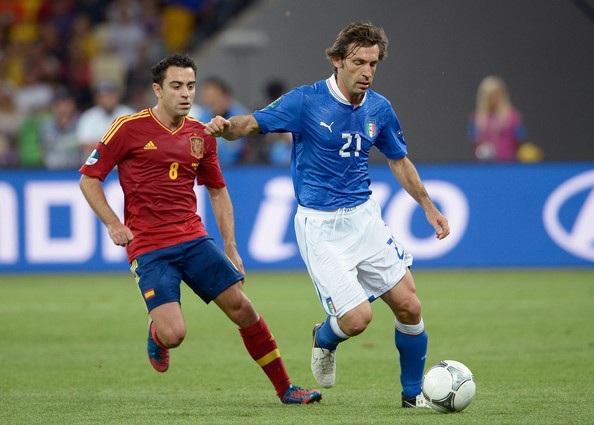 Pirlo từng thất bại trước Xavi trong trận chung kết Euro 2012