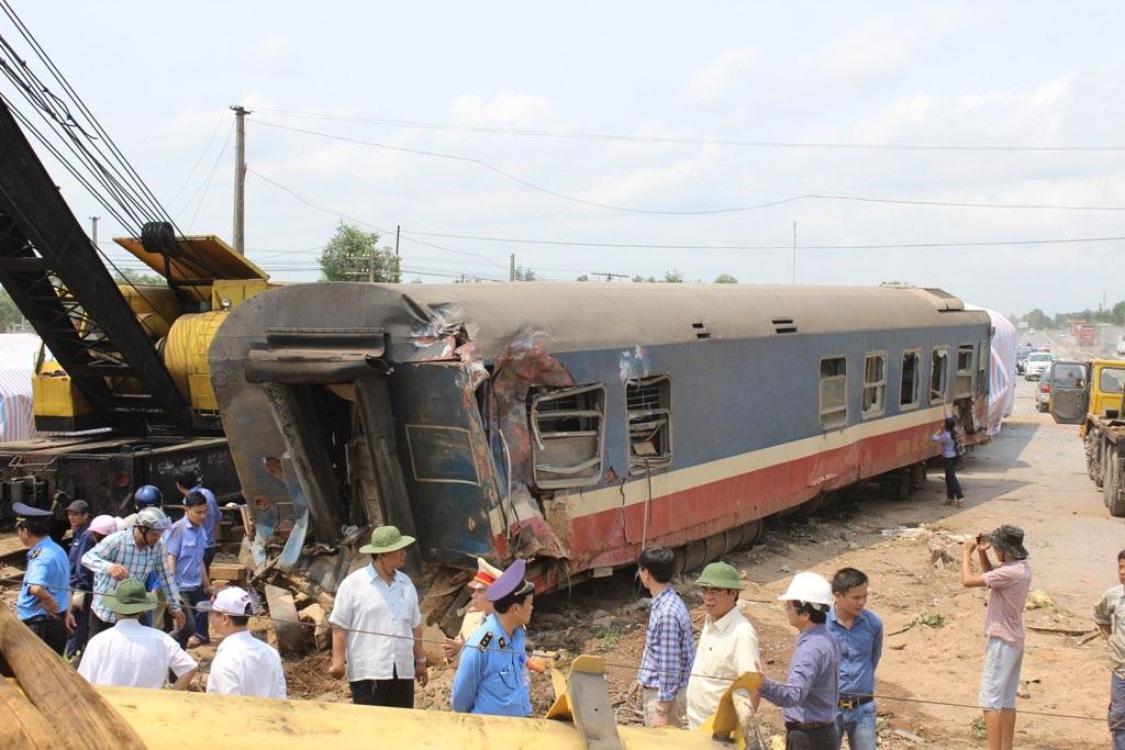 Các toa tàu đã được đưa ra khỏi đường ray
