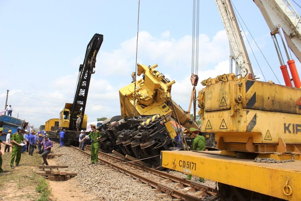 Rùng mình tua lại hình ảnh vụ tai nạn đường sắt khiến lái tàu tử vong