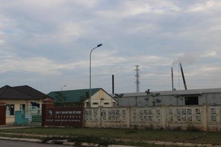Tỉnh chỉ đạo dừng, nhà máy Hồng Đức Vượng vẫn hoạt động, xả thải ra môi trường