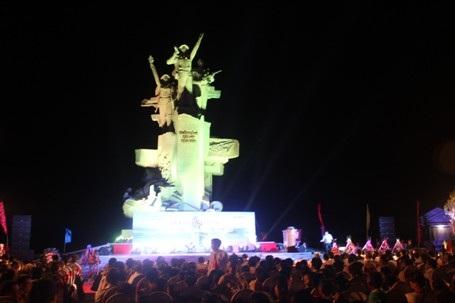 Khánh thành Tượng đài chiến thắng Cửa Việt