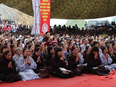 Hàng ngàn người dự Đại lễ cầu siêu