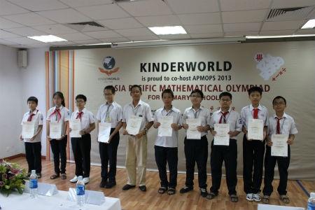 10 học sinh xuất sắc được tôn vinh