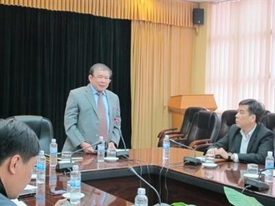 Thứ trưởng Bộ GD-ĐT Bùi Văn Ga trả lời họp báo về tuyển sinh.