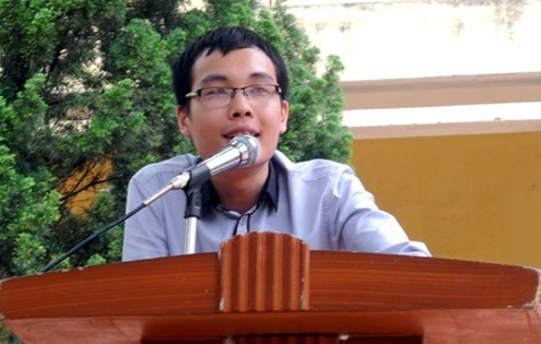 Thủ khoa Trường ĐH Bách khoa Hà Nội năm 2009 Lê Văn Tùng.