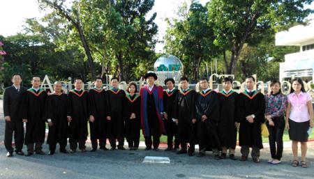 Hình ảnh học viên tốt nghiệp tháng 12/2013
