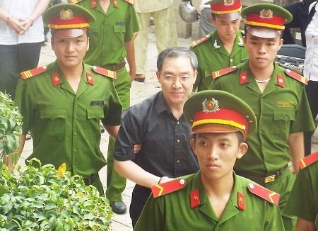 Thuộc cấp của Dương Chí Dũng khai số tiền làm quà cho sếp