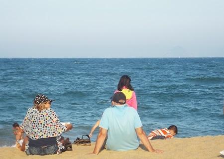 Tận hưởng giây phút trong lành, mát lạnh từ gió biển.