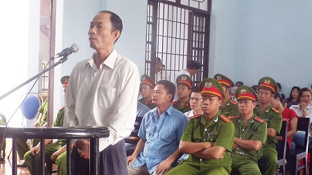 Bị cáo Nguyễn Thành Trung, nguyên trưởng Công an huyện Khánh Sơn, Khánh