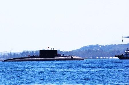 """Tàu ngầm Kilo """"HQ-185 Khánh Hòa"""" đã vào quân cảng Cam Ranh an toàn khoảng 11h ngày 2/7."""