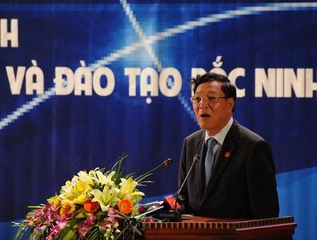 Bộ trưởng Bộ GD-ĐT Phạm Vũ Luận phát biểu và chỉ đạo cuộc thi.