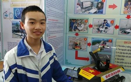 Việc nghiên cứu khoa học giúp Nguyễn Văn Hoan học hỏi được nhiều điều.