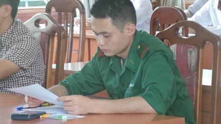Thí sinh dự thi vào Học viện Hậu cần năm 2014.