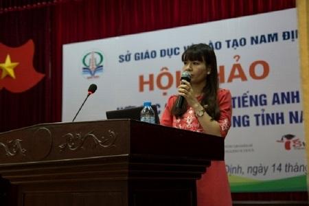 Cô Nguyễn Thị Nhiếp – Hiệu trưởng trưởng THPT Phan Huy Chú (quận Đống Đa – Hà Nội).