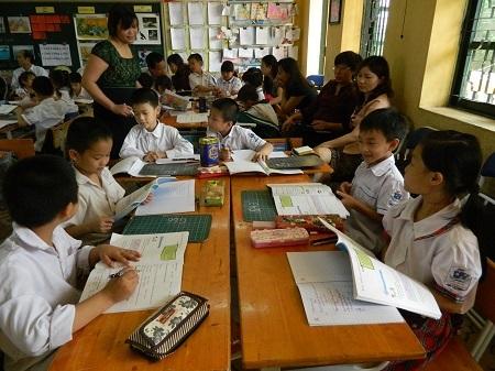 Một tiết tập huấn giáo viên trong mô hình trường tiểu học mới của Hà Nội