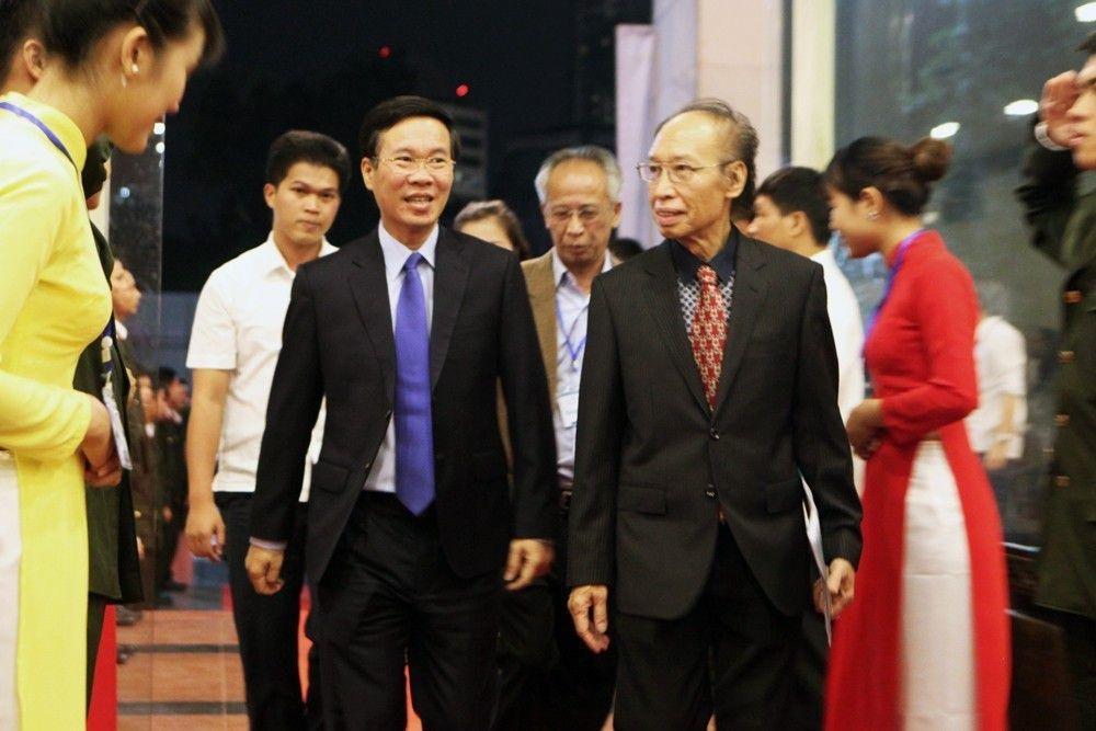 Thủ tướng Nguyễn Xuân Phúc trao giải Nhất Nhân tài Đất Việt 2017 - 20
