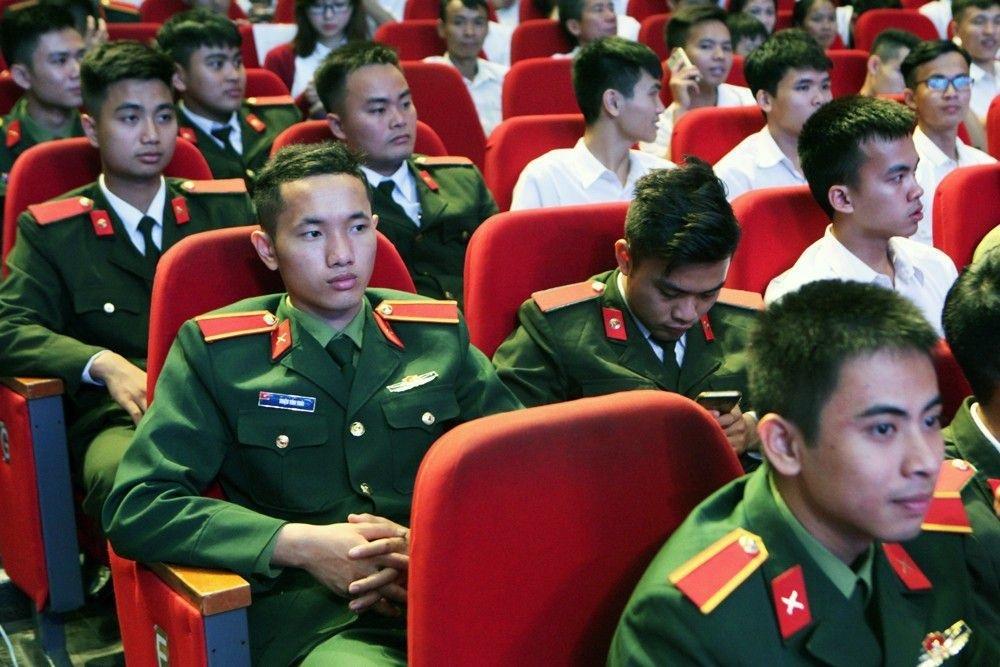 Thủ tướng Nguyễn Xuân Phúc trao giải Nhất Nhân tài Đất Việt 2017 - 24