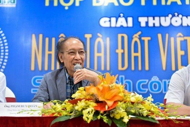 Nhà báo Phạm Huy Hoàn - Tổng biên tập báo Điện tử Dân trí - phát động Giải thưởng Nhân tài Đất Việt 2018.