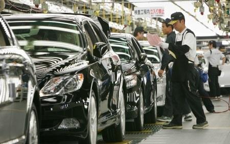 Toyota chuẩn bị khôi phục phần lớn sản xuất tại Nhật - 1