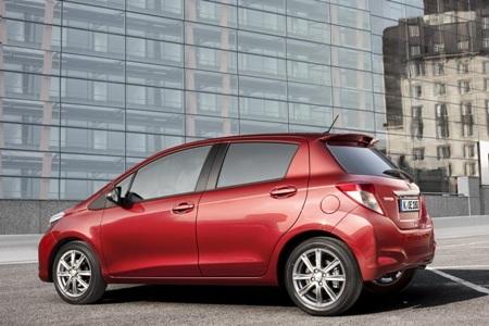Toyota báo giá xe Yaris 2012  - 4