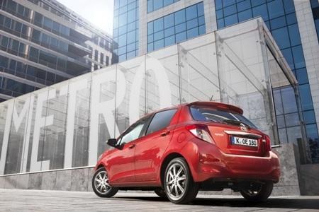 Toyota báo giá xe Yaris 2012  - 1