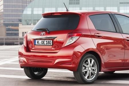 Toyota báo giá xe Yaris 2012  - 15