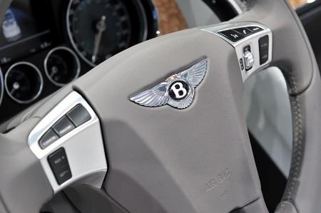 Bentley Continental GTC thổi luồng gió mới - 14