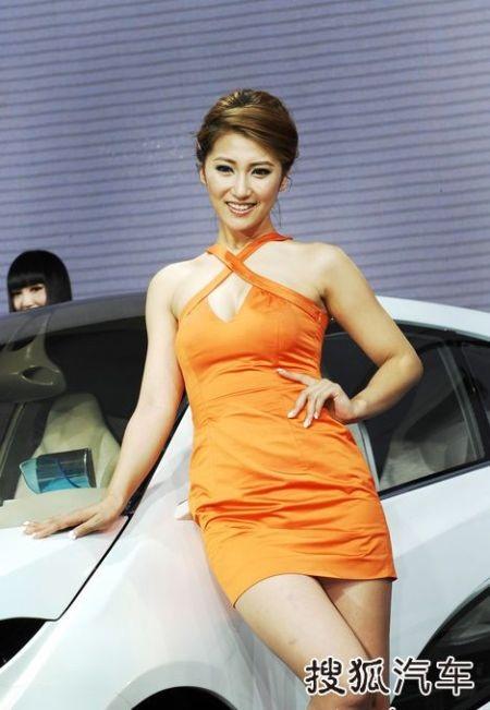 Người đẹp tại Triển lãm ô tô Quảng Châu (2) - 14