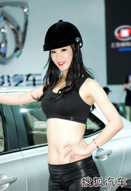 Người đẹp tại Triển lãm ô tô Quảng Châu (2) - 22