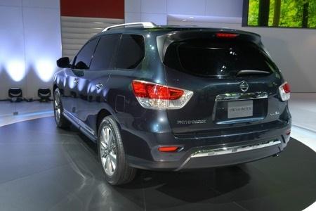 Nissan Pathfinder tạm biệt vẻ nam tính  - 10