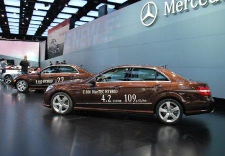 Được mùa xe hybrid và xe chạy điện  - 7