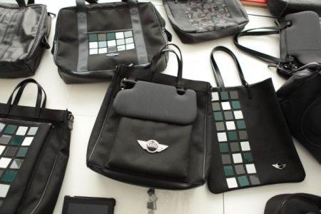 """Bộ sưu tập túi làm từ """"đồ bỏ"""" của xe Mini"""