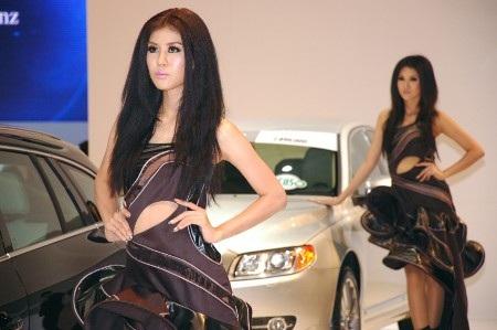 Bóng hồng tại Bangkok Motor Show 2012 - 2