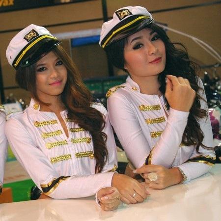 Bóng hồng tại Bangkok Motor Show 2012 - 30