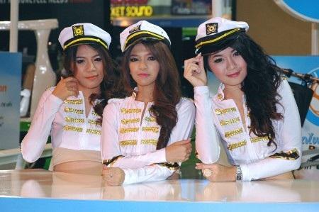 Bóng hồng tại Bangkok Motor Show 2012 - 1