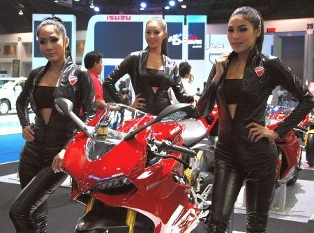 Bóng hồng tại Bangkok Motor Show 2012 - 23